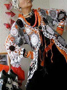 perfect for Halloween....black and orange asymmetric enVOGUE freeform crocheted par MizzieMorawez, €780.00