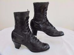 ANTIQUE VICTORIAN BLACK LEATHER LADIES ANKLE LACE UP BOOTS SHOES - c1890 in Clothes, Shoes & Accessories, Vintage Clothing & Accessories, Women's Vintage Shoes | eBay