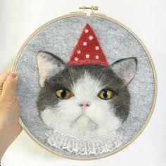 Handmade woolfelt cat~^^ 양모로 만든 핸드메이드 고양이입니다 ~ 手工羊毛毡小猫工艺品