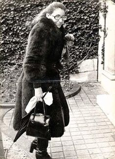 Bildergebnis für callas last photo 1977 Maria Callas, Rare Photos, Old Photos, Opera News, Heaviest Woman, Louise Brooks, Billie Holiday, Opera Singers, Buffy