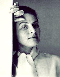 Ingrid Bergman, photo by Cecil Beaton Roberto Rossellini, Isabella Rossellini, Ingrid Bergman, Hollywood Icons, Old Hollywood, Black White Photos, Black And White, Swedish Actresses, Cecil Beaton