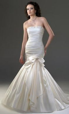 Venus PA9957: buy this dress for a fraction of the salon price on PreOwnedWeddingDresses.com