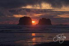www.jodistilpphotography.com, landscapes, copyright Jodi Stilp Photography LLC, sunset over Twin Rocks, Rockaway Beach, OR
