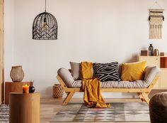 Egyedülálló szín- és mintavilágának köszönhetően garantáltan stílust teremt otthonában. A színek és formák harmonikus kombinációja bármely enteriőrt egyedivé varázsolja, legyen akár a nappali, vagy a hálószoba kiegészítője. Kiváló minőségű, polipropilén alapanyagból készült, könnyen kezelhető és tisztítható Frames On Wall, Framed Wall Art, Wall Art Decor, Deco M6, Porte Photo Mural, Couleur Ecru, Support Mural, Park Art, Live Edge Wood
