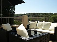 Apartments in Nizas, Pezenas, Languedoc, Herault, France. Book direct with private owner FR873 Holiday Lettings, Outdoor Furniture Sets, Outdoor Decor, Villas, Apartments, Cottage, France, Book, Home Decor