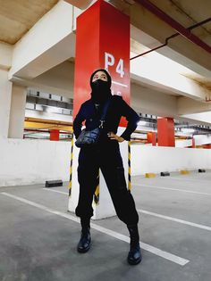 Full black outfit of the day hijab gothic Full Black Outfit, Outfit Of The Day, Gothic, Ootd, Punk, Outfits, Style, Fashion, Today's Outfit