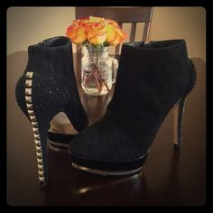 Vince Camuto Dany - Black Suede, Leather Booties BNWOT. Absolutely stunning, Black suede booties, black leather trim with gold around toe, gold studded down the heel with little black jewels on either side. Never worn, brand new, no flaws. ❌TRADES Comes w/box. Listed as Michael kors for sharing purposes. MICHAEL Michael Kors Shoes Ankle Boots & Booties
