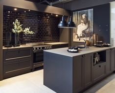 Discover recipes, home ideas, style inspiration and other ideas to try. Industrial Kitchen Design, Kitchen Room Design, Modern Kitchen Design, Interior Design Kitchen, Kitchen Decor, Kitchen Ideas, Black Kitchens, Home Kitchens, Kitchen Black
