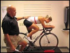 Learn the difference between a road bike and a triathlon bike, and the positioning angles that each bike set-up entails. Features the Cobb Cycling V-Flow saddle Pro Cycling, Cycling Bikes, Ironman Triathlon, Triathlon Bikes, Triathlon Strength Training, Triathalon, Cargo Bike, I Work Out, Road Bike