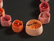 Creare e assemblare gioielli in porcellana con Martha Pachon