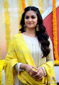 Check out beautiful stills of South Indian actress Keerthy Suresh captured at East Coast Production No 3 Film Launch - HQ Photos Hollywood Girls, Hollywood Model, Bollywood Actress Hot Photos, Tamil Actress Photos, South Actress, South Indian Actress, Stylish Dress Designs, Russian Women For Marriage, Thing 1