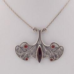 Collier Jugendstil Fantastic/ Jugendstil Necklace. Verkrijgbaar bij artdecowebwinkel.com. We also deliver abroad!