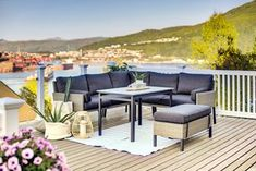 Bygg terrasse - alt du trenger å vite - Byggmakker Outdoor Sectional, Sectional Sofa, Pergola, Outdoor Furniture Sets, Outdoor Decor, Backyard, House, Design, Home Decor