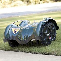 LawnBott SpyderEvo Mows Your Lawn In Dashing Style