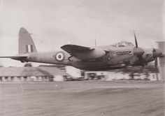 here an 81 Squadron Photo Recce Mosquito beats up RAF Seletar, Singapore after the war. The navigator stares out the side window at the photographer. De Havilland Mosquito, Ww2 Aircraft, Military Aircraft, Wagon R, Ww2 Planes, Royal Air Force, Aviation Art, Wwii, Fighter Jets