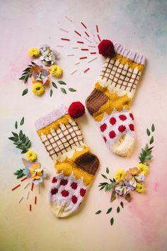 Wool Socks, Knitting Socks, Mellow Yellow, Avocado Toast, Mittens, Knitting Patterns, Knit Crochet, Crafts, Crocheting