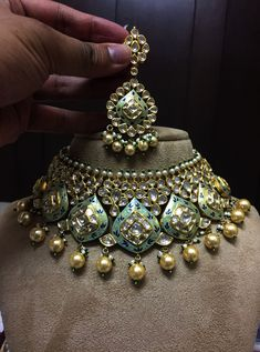 Jewellery Box Large behind Earring Organizer Cheap yet Asian Jewelry Store Near Me Real Gold Jewelry, Gold Jewelry Simple, Gold Jewellery Design, Jewellery Box, Bridal Jewellery, Handmade Jewellery, Royal Jewelry, Jewellery Earrings, Indian Wedding Jewelry