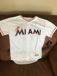 7e5e590f7 Majestic Miami Marlins Giancarlo Stanton  27 Baseball Jersey NWT Size L  Youth
