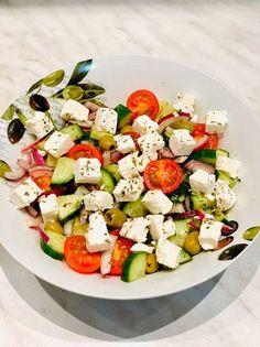 Caprese Salad, Cobb Salad, Cheese, Recipes, Food, Drink, Beverage, Eten, Recipies