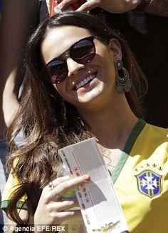 Football Girls, Football Is Life, Neymar Pic, Shes Amazing, Most Beautiful Women, Polaroid Film, Sunglasses, Sexy, Polyvore