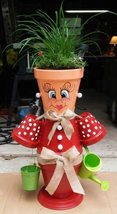 Maggie - Plant in flowerpot Flower Pot Art, Clay Flower Pots, Flower Pot Crafts, Ceramic Flower Pots, Clay Pots, Clay Pot Projects, Clay Pot Crafts, Rock Crafts, Diy And Crafts