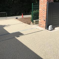 Making Progress #resinbound #resindrivescheshire #patio #resindrives  #topdriveways #landscaping #driveways