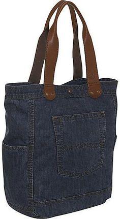 Tote Bag Repurposed denim tote bag - p& by p& eclatdusoleil/bags. Repurposed denim tote bag - p& by p& eclatdusoleil/bags. Good for the market//wine bottles, and heavy items. Sacs Tote Bags, Denim Tote Bags, Denim Purse, Tote Purse, Crossbody Bag, Jean Purses, Purses And Bags, Denim Bag Tutorial, Bag Quilt