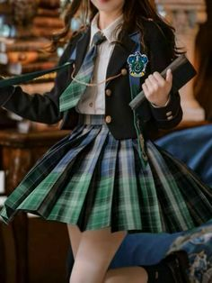 Edgy Outfits, Teen Fashion Outfits, Mode Outfits, Cute Casual Outfits, Pretty Outfits, Girl Outfits, Slytherin Clothes, Hogwarts Uniform, Hogwarts Outfit