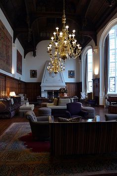 Danesfield House Hotel - Great Hall by Jay Seedy Lobby Interior, Interior And Exterior, Interior Design, Salvatore Boarding House, Old Mansions, Tudor House, Old World Style, Vintage Interiors, Classic Interior