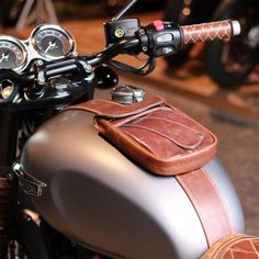 Universal leather tank bag - Aged brown Retro Motorcycle, Motorcycle Tank,  Motorcycle Leather, 5735d1dab0d