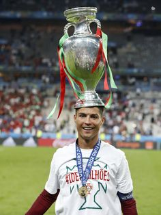 UEFA EURO 2016 (@UEFAEURO) | Twitter - Ronaldo and the trophy #EURO2016 #Portugal #POR