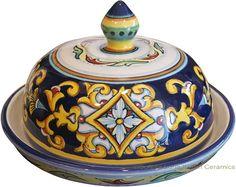 Round ceramic butter dish - Ricco Vario style - 13cm high x 16cm diameter (5.25in high x 6in diameter) <br />