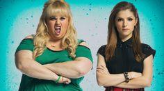 Elas adoram! O elenco de A Escolha Perfeita 3 se reuniu em mais uma imagem.