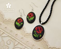 Items similar to GORGEOUS POPPY oval earrings, floral motif in silver tone metal bezel, polymer clay filigree technique.Vintage looking gift, wearable art on Etsy Polymer Clay Charms, Polymer Clay Jewelry, Clay Earrings, Dangle Earrings, Army Crafts, Polymer Clay Embroidery, Oval Pendant, Clay Tutorials, Floral Motif