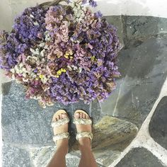 #fromwhereistand #aboutlastnight in #mykonos #greece  Snapchat {MARGOTTPP} about our last day on the island #holidays #summer #flowers #bouquet