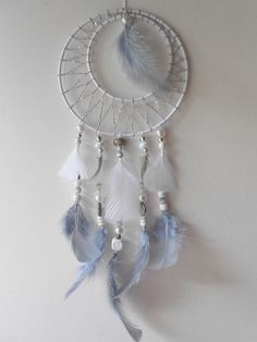 Attrape rêve gris et blanc de 40 cm de hauteur