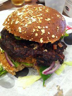Hamburguesa vegana de frijol negro   Veggisima