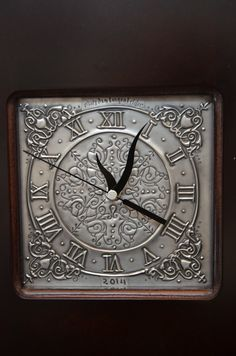 Pewter clock face created by Mary Ann Lingenfelder www.mimmic.co.za Mimmic Gallery and Studio