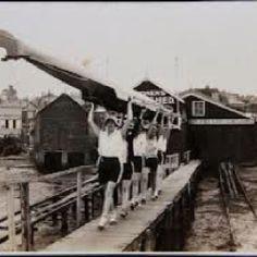 Women rowing team