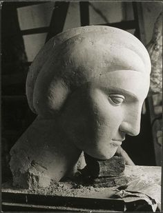 Brassaï, Woman's head (Marie-Thérèse) by Picasso, 1932Photograph taken at Picasso's sculpture workshop in Boisgeloup (via arsvitaest)