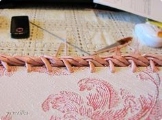 плетение из газет. загибка края косичкой (28) (520x386, 120Kb)