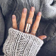 Semi-permanent varnish, false nails, patches: which manicure to choose? - My Nails Autumn Nails, Winter Nails, Fall Nail Polish, Cute Nails, Pretty Nails, Nail Ring, Manicure Y Pedicure, Fall Pedicure, Fall Nail Colors