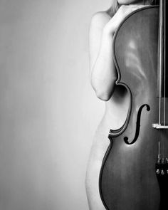 When you find everything has been stolen apart from your cello and a random photographer. Black White Photos, Black And White Photography, White Art, Beautiful Curves, Beautiful Women, Boudoir Photography, Cello Photography, Artistic Photography, Pretty Pictures