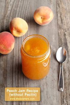 Peach jam without pectin and only the freshest juiciest intense peaches! A real treat to can peaches so to enjoy it even months after the harvest. This is my mum's French peach jam recipe. I cover how to prepare peach jam easily at home! Peach Jelly, Peach Fruit, Fruit Jam, Jelly Recipes, Jam Recipes, Canning Recipes, Drink Recipes, Peach Jam Recipe Without Pectin, Peach Freezer Jam