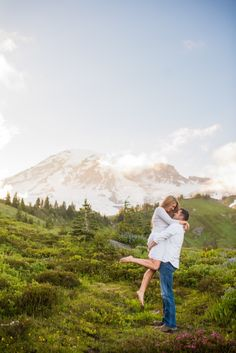 Engagement Picture at Mount Rainier - Salt and Pine Photography