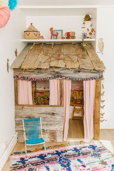 What's your idea of an awesome Creative Space for your kids? Sharing some amazing and imaginative Creative Spaces for Kids below that will leave you wishing you could go back to the simple days of playing and dreaming.now wouldn't that be nice? Indoor Playhouse, Build A Playhouse, Playhouse Ideas, Deco Kids, Little Girl Rooms, Kid Spaces, Kids Decor, Home Decor, Play Houses