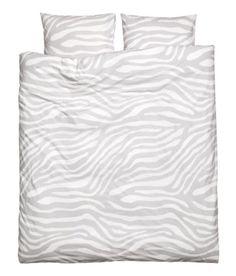 Zebra Animal Print Cotton Duvet Quilt Cover Gray White 3pc Set 100% Cotton (King) Duvet Cover Set http://www.amazon.com/dp/B00IRL1RJ2/ref=cm_sw_r_pi_dp_Qs5nvb0TTM2SV