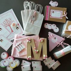 """Fiesta """"Yo fui a EGB y a BUP, también"""": los decorados • Celebra con Ana Gift Wrapping, Gifts, Wedding, Husband, Meet, Party, Gift Wrapping Paper, Valentines Day Weddings, Presents"""