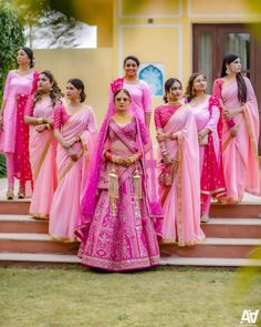 Indian Bridesmaid Dresses, Bridesmaid Poses, Bridesmaid Pictures, Bridesmaid Saree, Indian Bridal Outfits, Indian Designer Outfits, Brides And Bridesmaids, Indian Wedding Bridesmaids, Indian Dresses