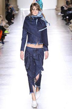 Marques'Almeida - Fall 2015 Ready-to-Wear - Look 24 of 35
